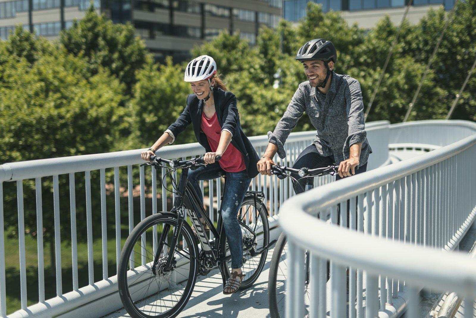 Znalezione obrazy dla zapytania scott bike action